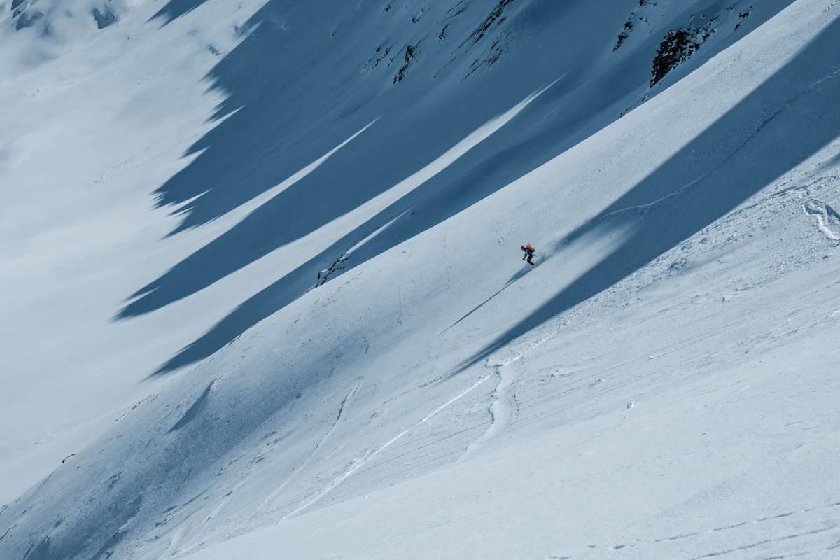 Pulverabfahrt im unberührten Schnee sind ein Vergnügen.