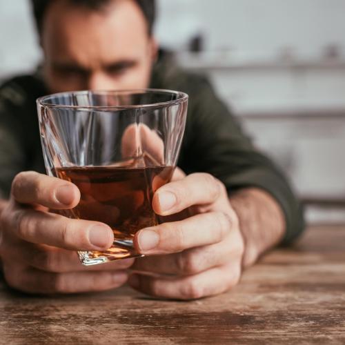 Hör morgen nicht auf Alkohol zu trinken – Mach es heute!