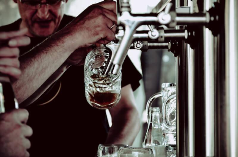 7 Tipps, wie du leichter auf Alkohol verzichtest