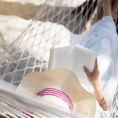 Unsere Buch- und Hörspiel-Tipps für einen spannenden Sommer